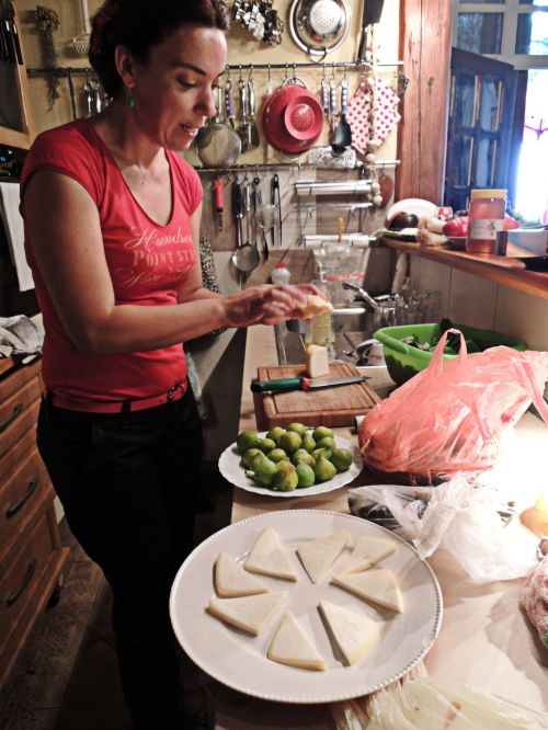 Tatjana whips up a delicious cheese plate with honey and figs